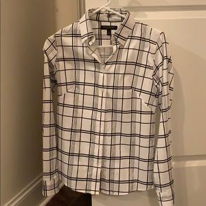 Banana Republic  Non-Iron Fitted shirt Size 4